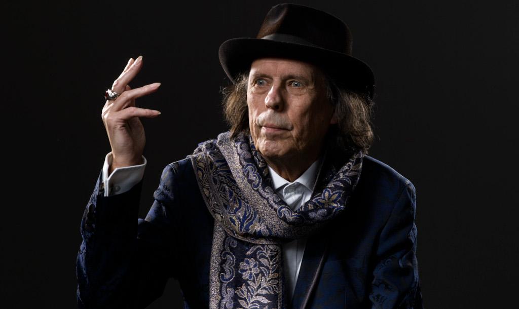 Dave Lindholm: uutta musiikkia vuorokauden jokaiselle tunnille